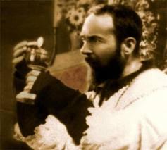 Les Bénédictions de Padre Pio, en Pensées, en Paroles et en Actions (Vidéo) Padre%20Pio%202