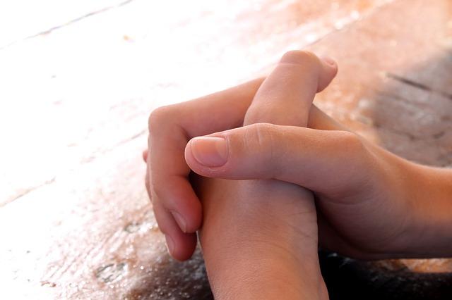 Prier mains